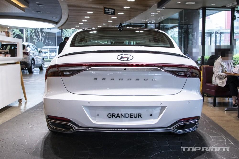 Hyundai Grandeur Le Blanc 2021 có gói LeBlanc Performance Package