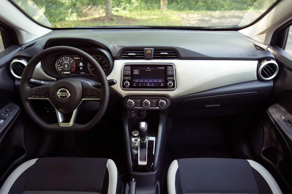 Nội thất của Nissan Almera 2021.
