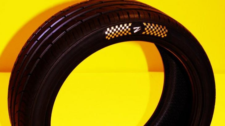 Lốp mạ vàng Gold Plated Z Tyres