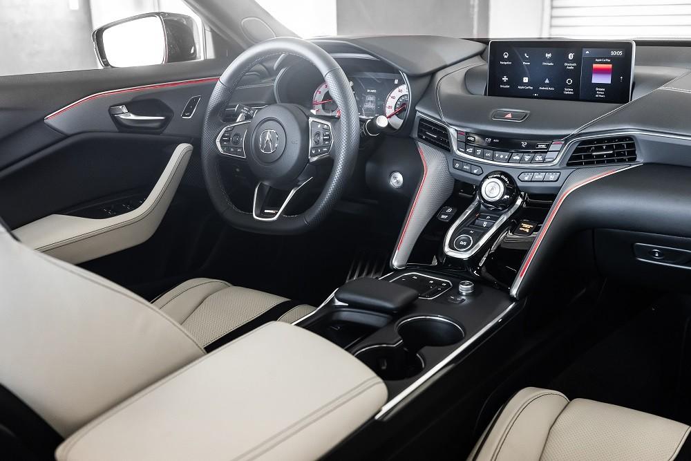 Acura TLX 2021 còn có màn hình thông tin giải trí cỡ lớn