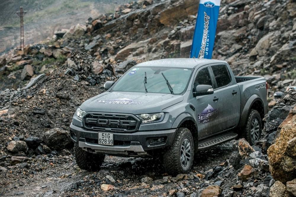 """Ford Ranger Raptor không còn bán kèm """"lạc"""" nhưng số lượng xe không còn nhiều và bị giới hạn tùy chọn màu sắc."""