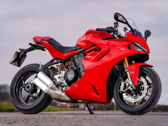 Thiết kế đẹp mắt trên Ducati Supersport 950 2021