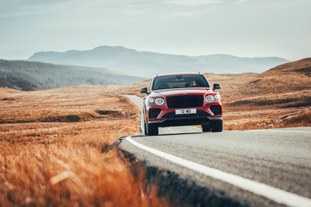 Bentley Bentayga S 2022 nhìn trực diện