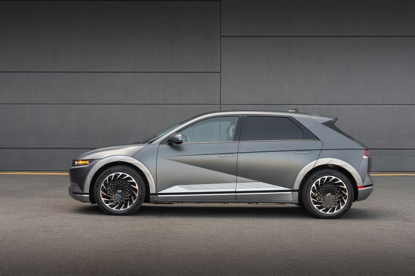 Hyundai Ioniq 5 2021 thuộc phân khúc crossover cỡ trung dù chiều dài cơ sở lên đến 3.000 mm