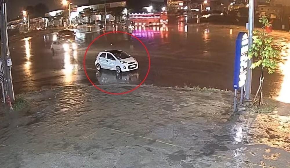 Chiếc ô tô Kia Morning liên quan đến vụ tai nạn
