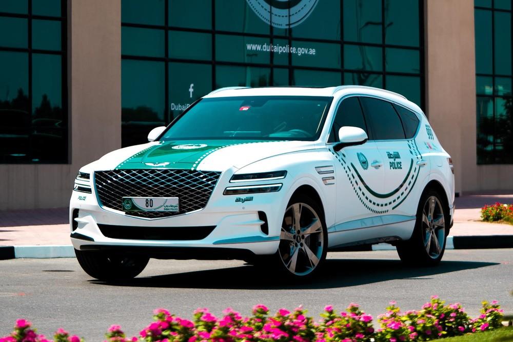 Genesis GV80 2021 là chiếc xe mới nhất gia nhập đội ngũ xe cảnh sát Dubai
