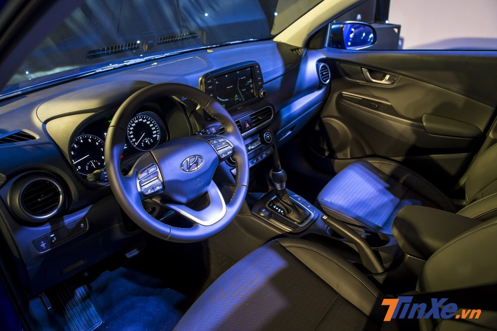 Sử dụng tông màu trầm, nội thất của Hyundai Kona đầy trẻ trung và công nghệ