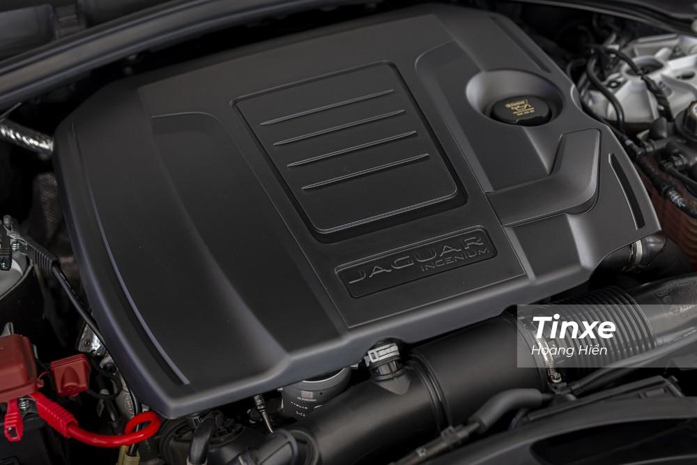 Động cơ của Jaguar F-Pace 2021 không có sự thay đổi.