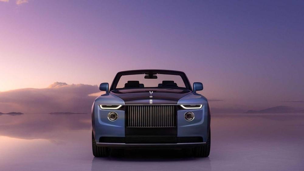Rolls-Royce Boat Tail sơn 2 màu xanh dương