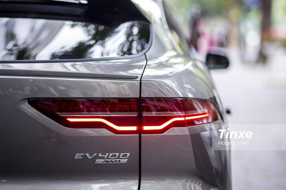 Jaguar I-Pace có thể tăng tốc từ 0-96 km/h chỉ trong 4,5 giây.