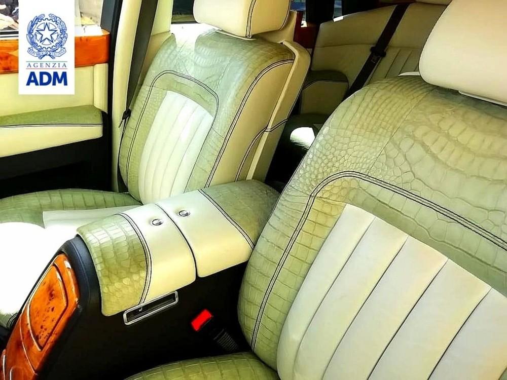 Nội thất chiếc Rolls-Royce Phantom bọc da cá sấu