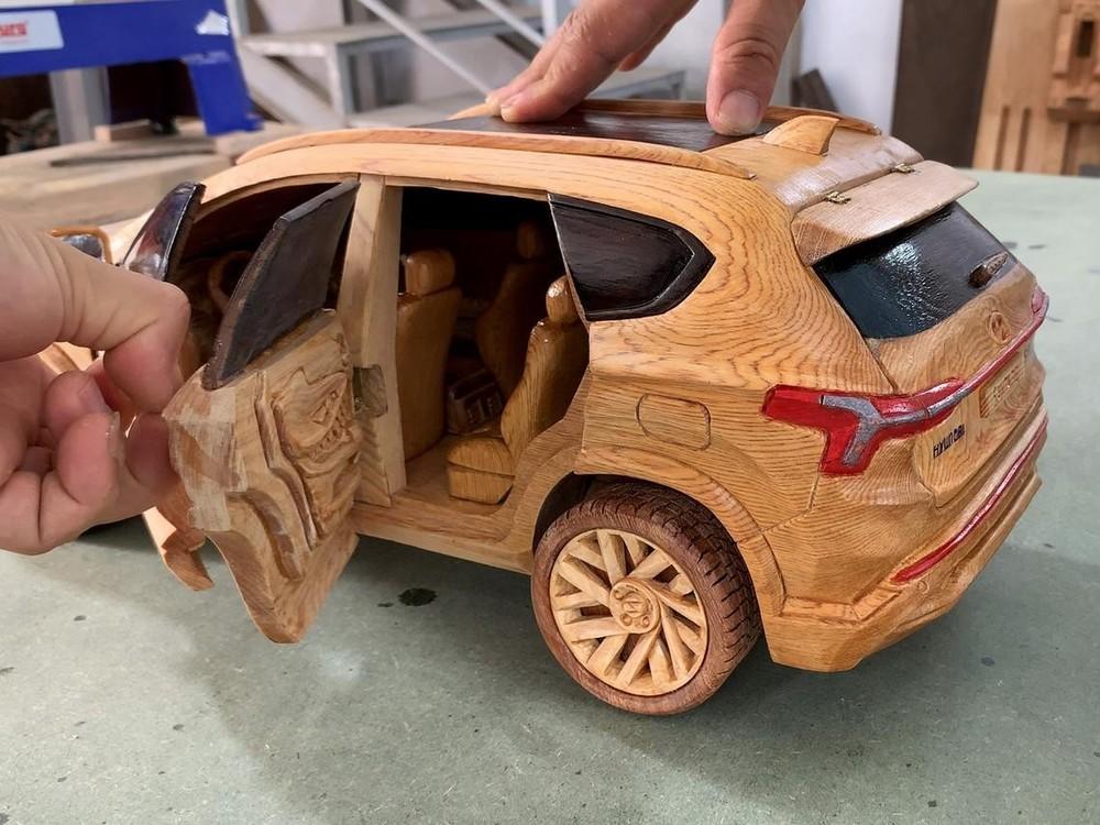 Nội thất của chiếc Hyundai Santa Fe 2021 bằng gỗ