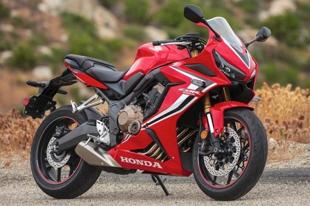 Thiết kế xe có khá nhiều nét giống với Honda CBR650R