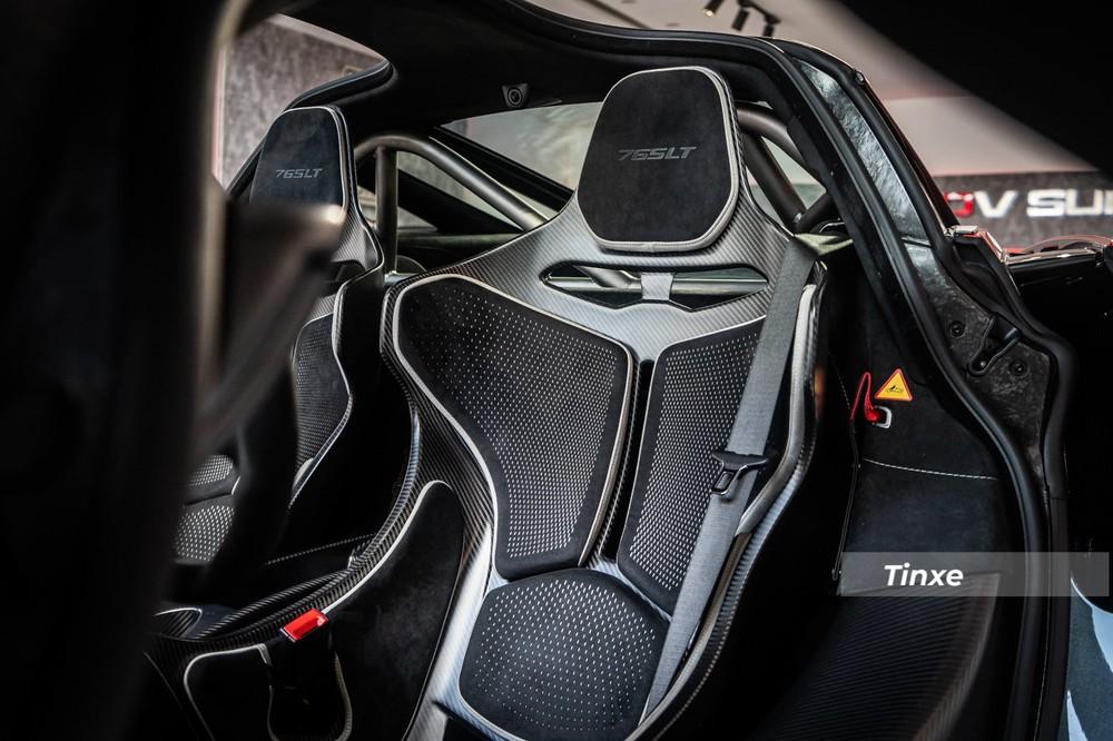Nội thất siêu xe giới hạn McLaren 765LT thứ 3 về Việt Nam