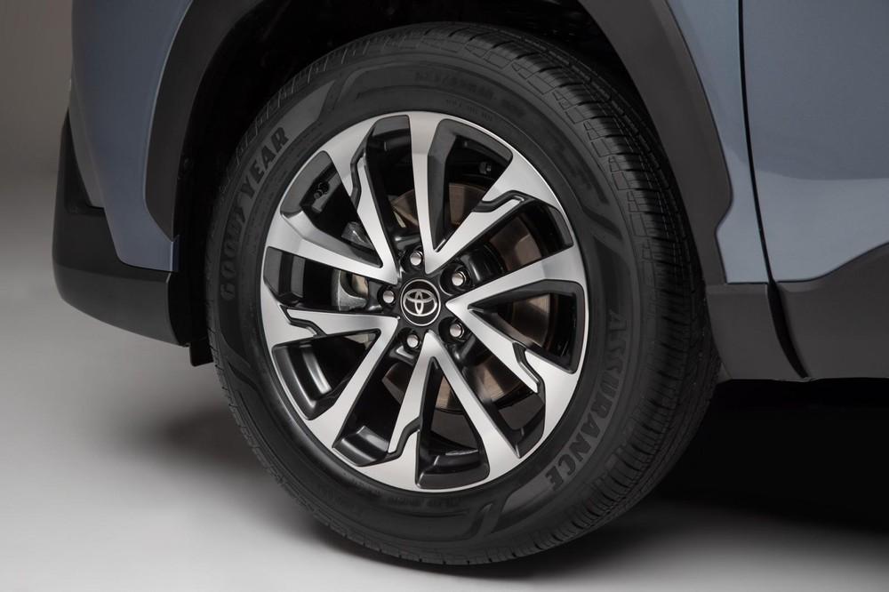 Vành hợp kim 18 inch của Toyota Corolla Cross 2022