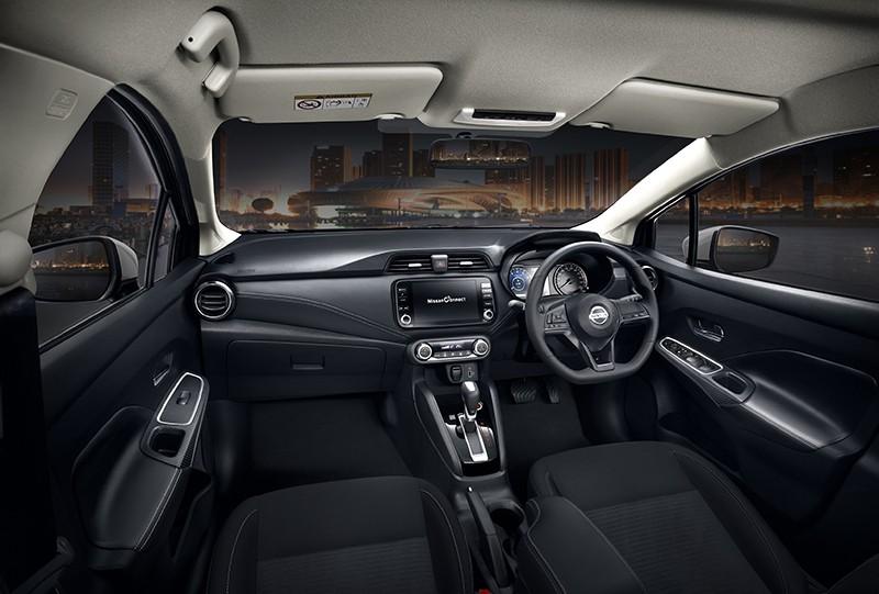 Nội thất của Nissan Almera Sportech 2021 không có gì khác biệt so với bản thường