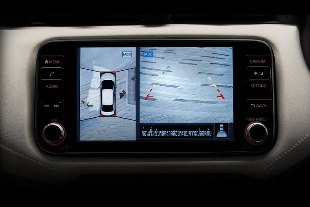Nissan Almera Sportech 2021 có cả camera 360 độ