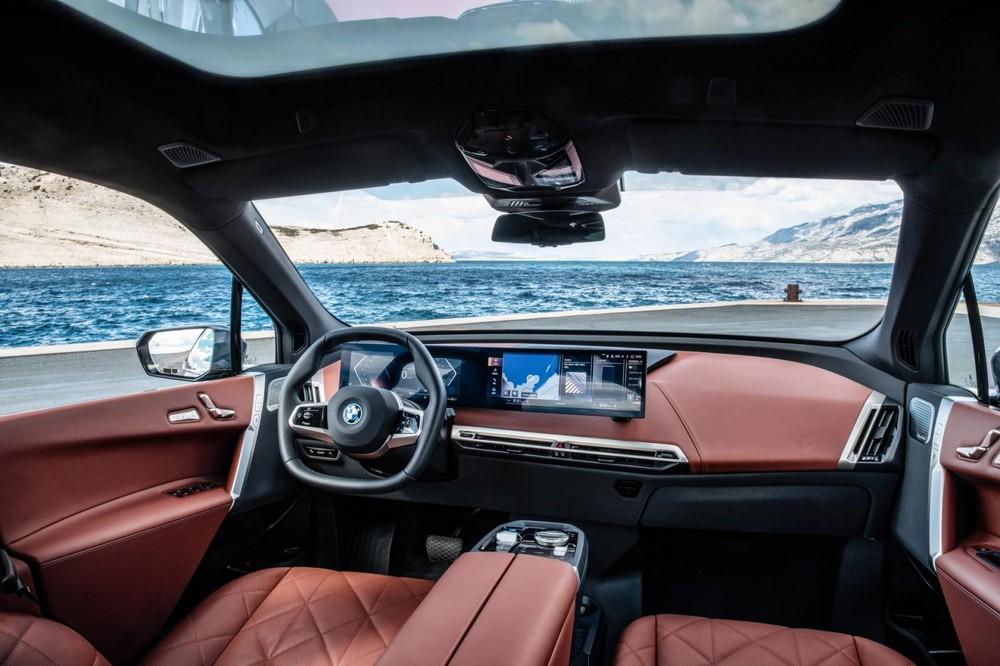 Khoang lái BMW iX