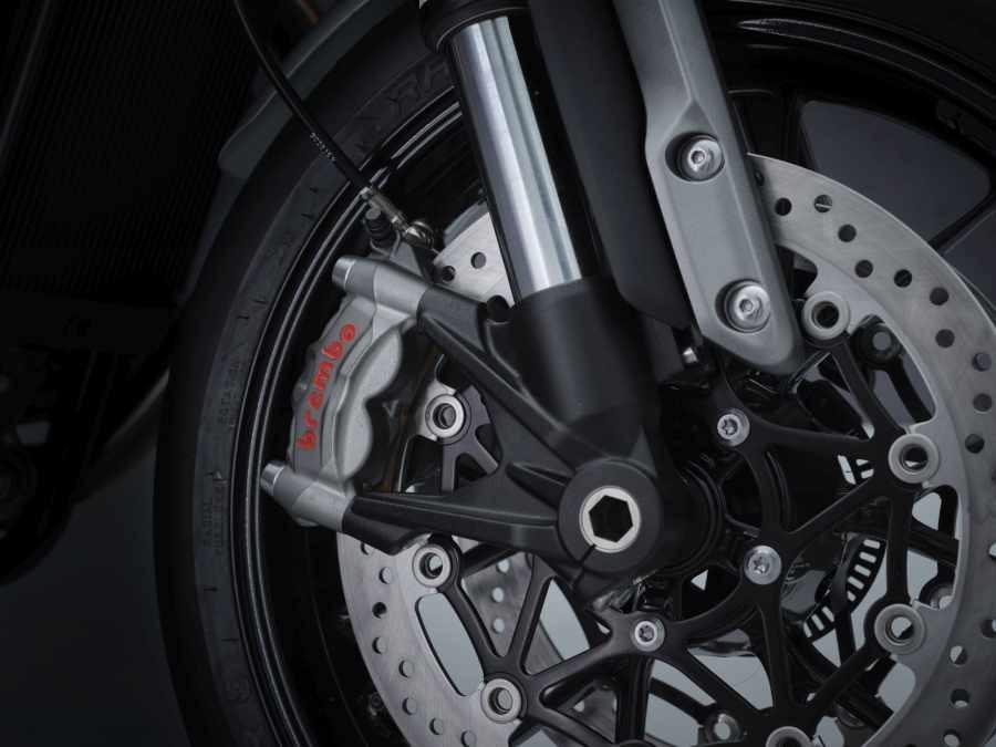 Phuộc ngược Marzocchi, phanh Brembo trên Triumph Speed Twin 2021