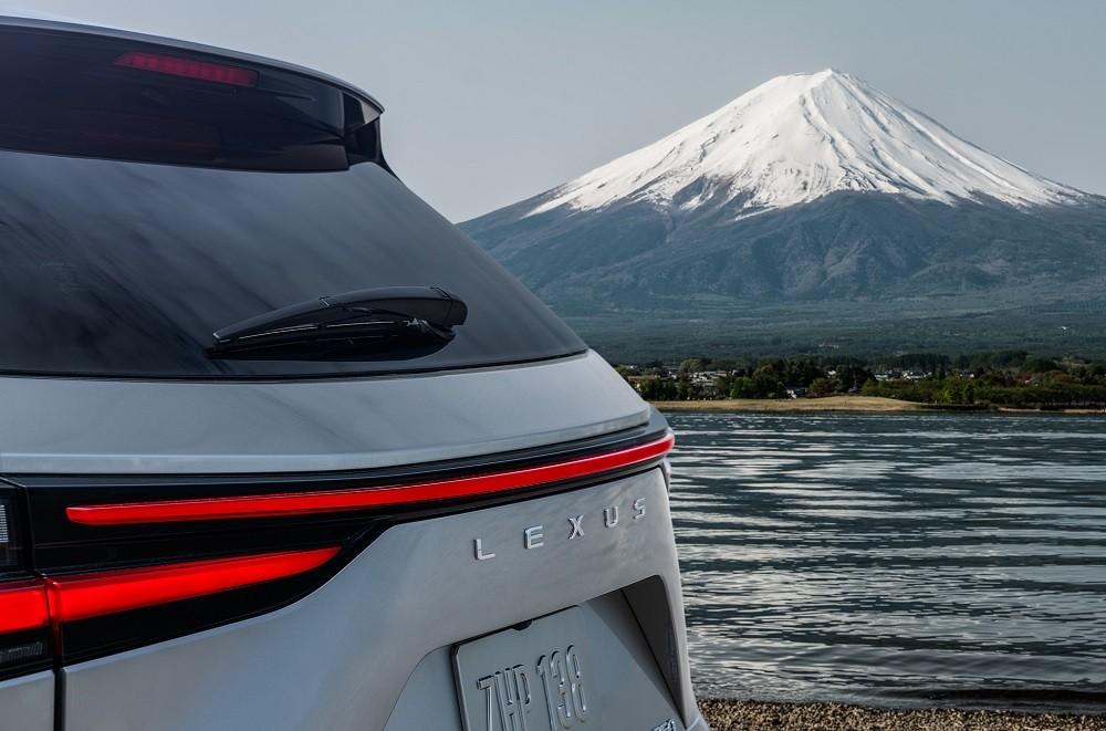 Hình ảnh hé lộ thiết kế của NX 2022 do hãng Lexus tung ra