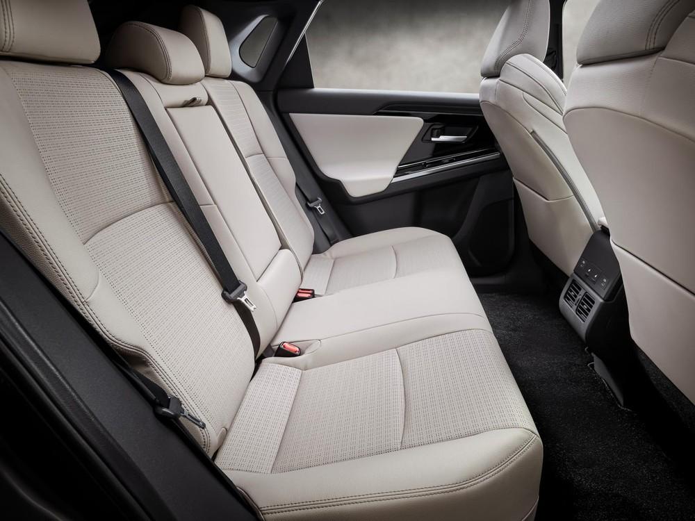 Hàng ghế sau của Toyota bZ4X