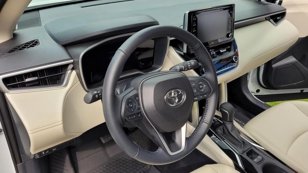 Nội thất của Toyota Corolla Cross 2022 bản cao cấp
