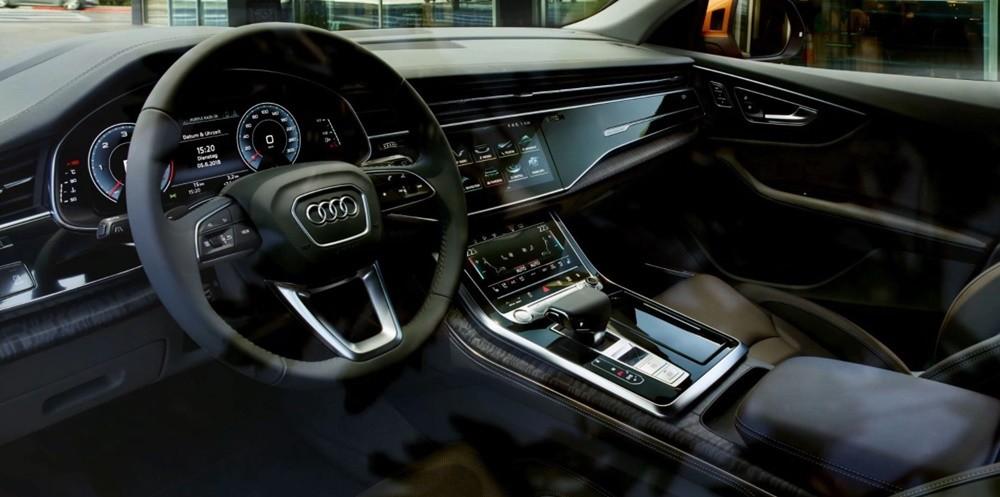 Audi Q8 được trang bị các vật liệu cao cấp và một loạt công nghệ tiên tiến