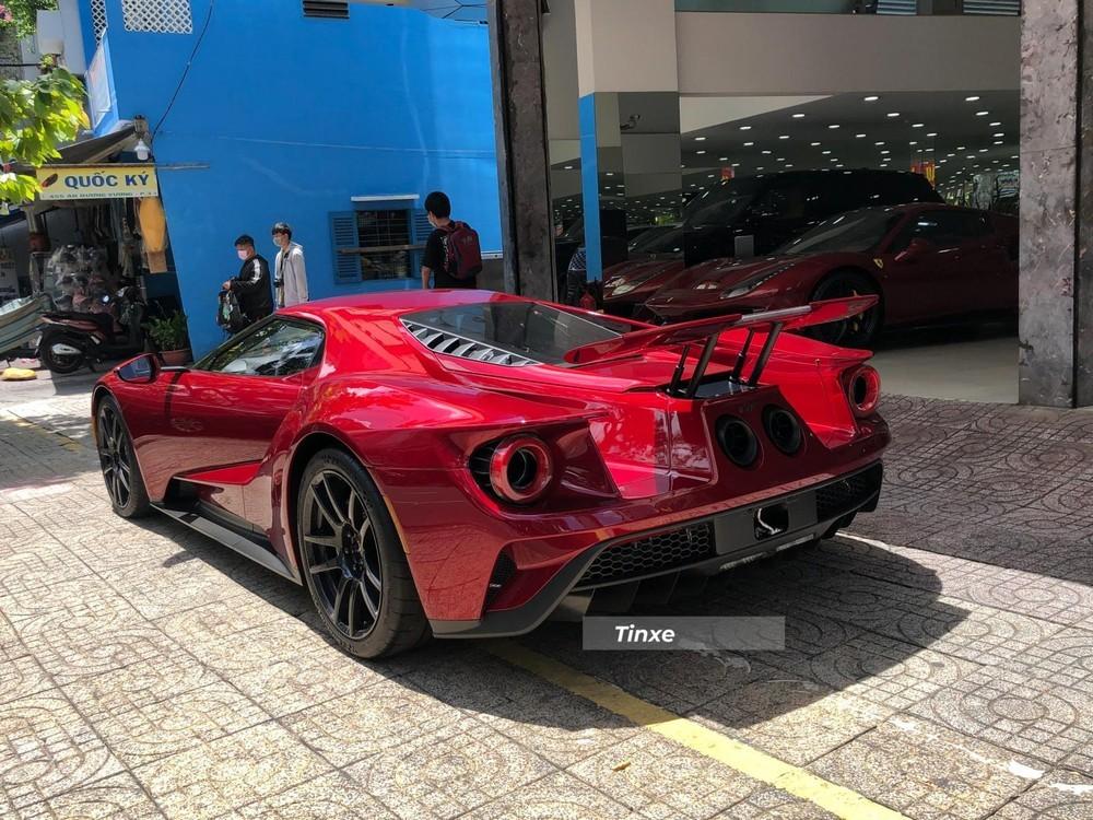 Hãng xe Mỹ chỉ sản xuất 250 chiếc xe Ford GT mỗi năm