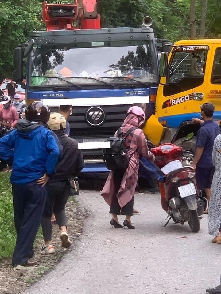Vụ tai nạn đã khiến giao thông qua đèo Mã Phục bị ùn tắc
