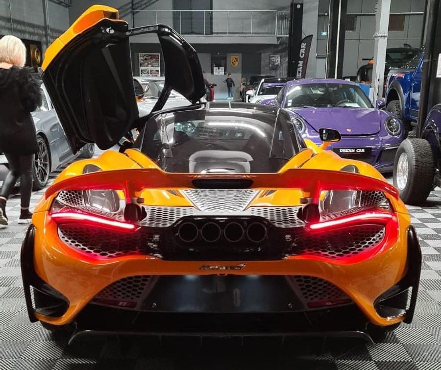 Hãy cùng chờ đón chiếc siêu xe giới hạn McLaren 765LT sắp về nước