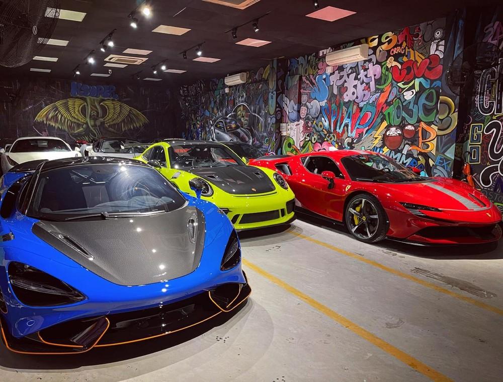 McLaren 765LT, Porsche 911 GT3 RS màu xanh lá và Ferrari SF90 Stradale màu đỏ