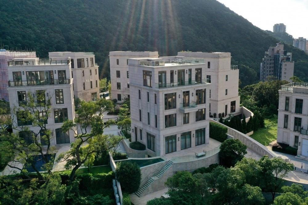 Giá căn hộ tại khu The Peak rất cao, kéo theo chỗ đỗ xe đắt đỏ