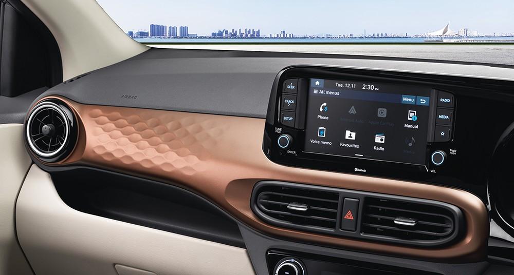 Màn hình cảm ứng 8 inch hỗ trợ Apple CarPlay và Android Auto