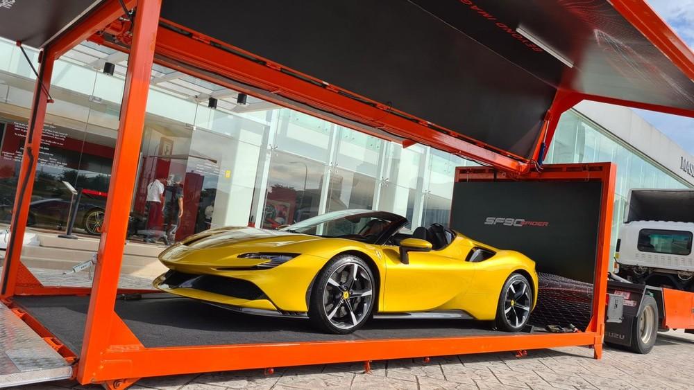 Siêu xe mui trần Ferrari SF90 Spider đã có mặt tại Malaysia
