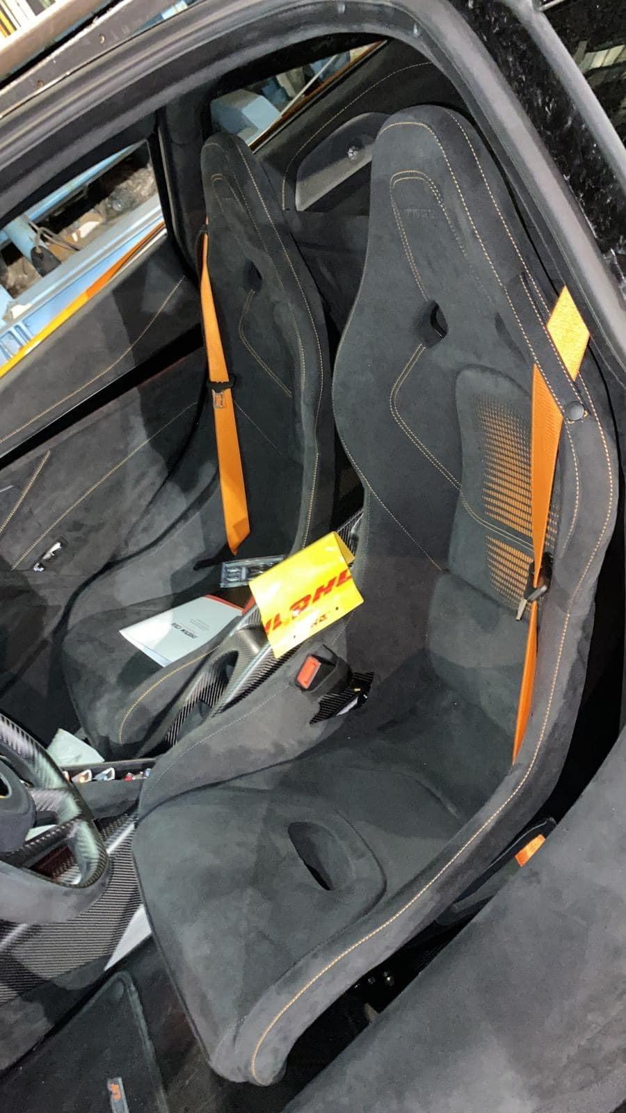 Ghế ngồi của siêu xe McLaren 765LT thứ 4 về Việt Nam
