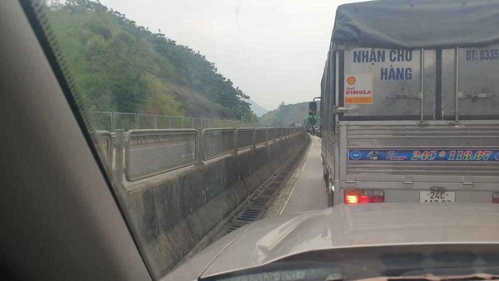 Vụ tai nạn khiến giao thông ùn tắc hơn 8 km