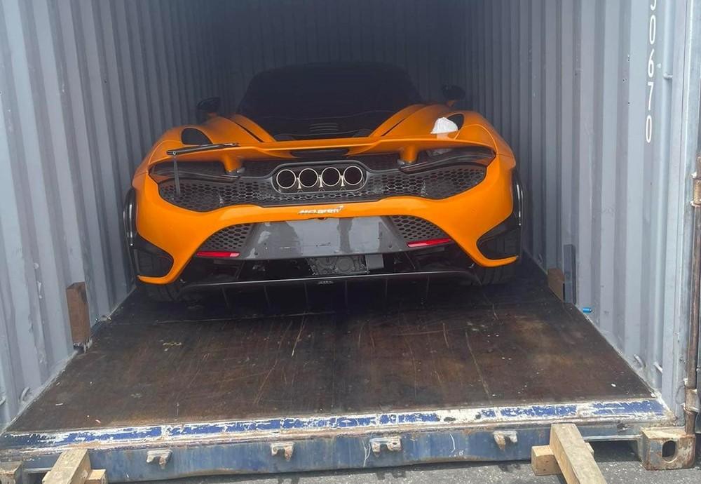 McLaren 765LT thứ 4 đã về đến Việt Nam, tốc độ ship hàng nhanh như siêu xe này tăng tốc