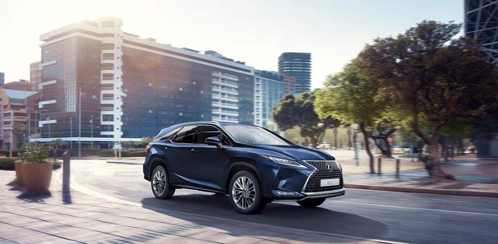 Giá xe Lexus RXmới nhất tại Việt Nam là từ 3,18 tỷ đồng.