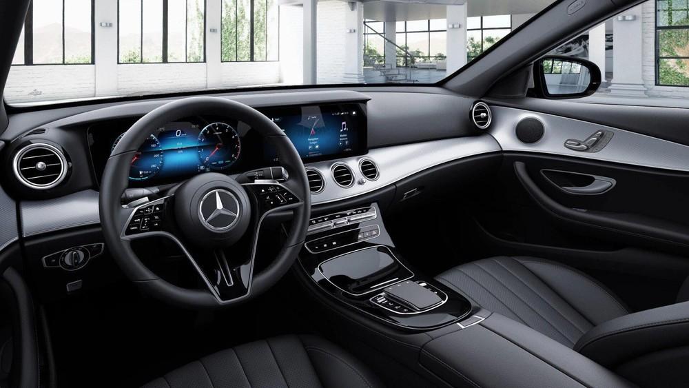 Nội thất của Mercedes-Benz E 180 2021.