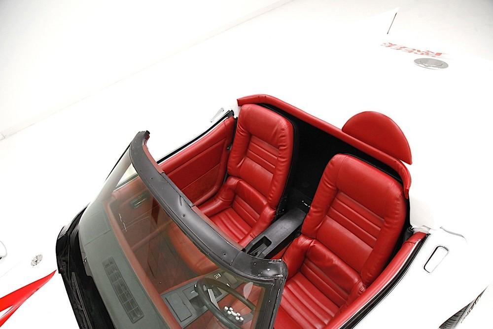 Nội thất của Chevrolet Corvette Speed Racer Mach 5 1979
