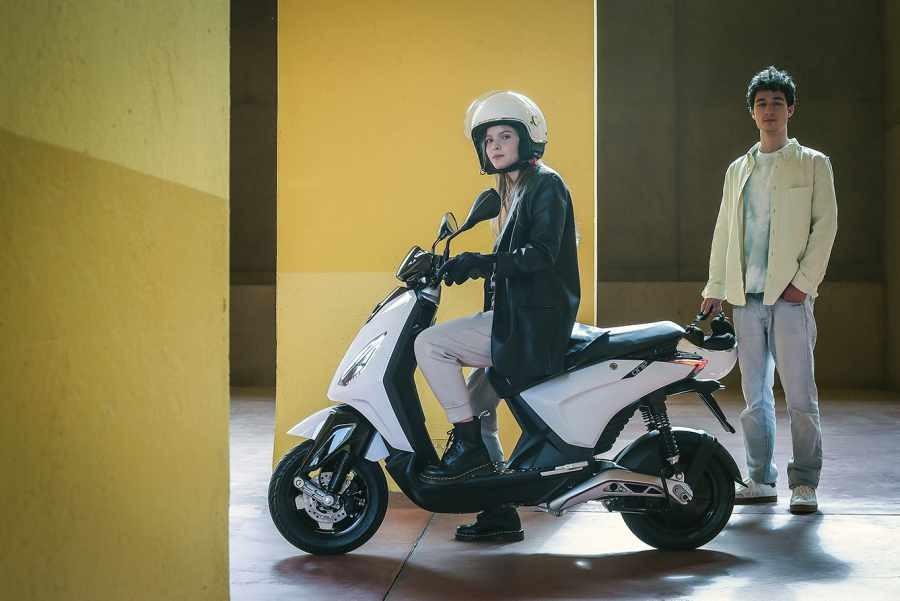Xe điện gọn nhẹ, kiểu dáng như Zip mang tênPiaggio One