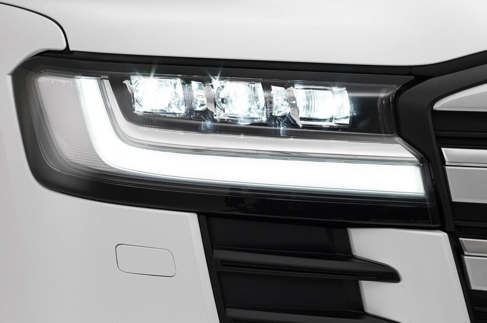 Cụm đèn pha mới của Toyota Land Cruiser 2022