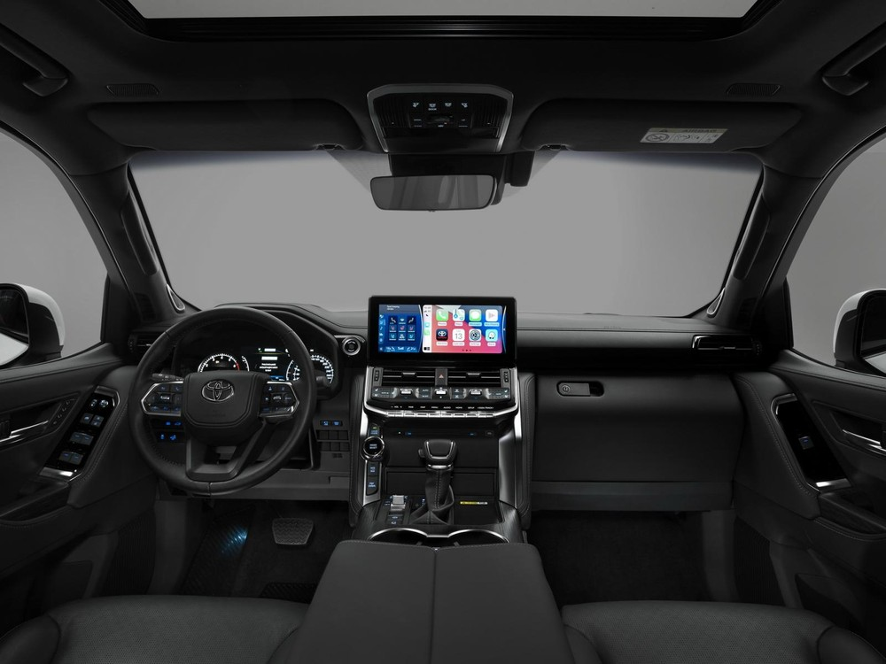 Thiết kế khoang lái của Toyota Land Cruiser 2022