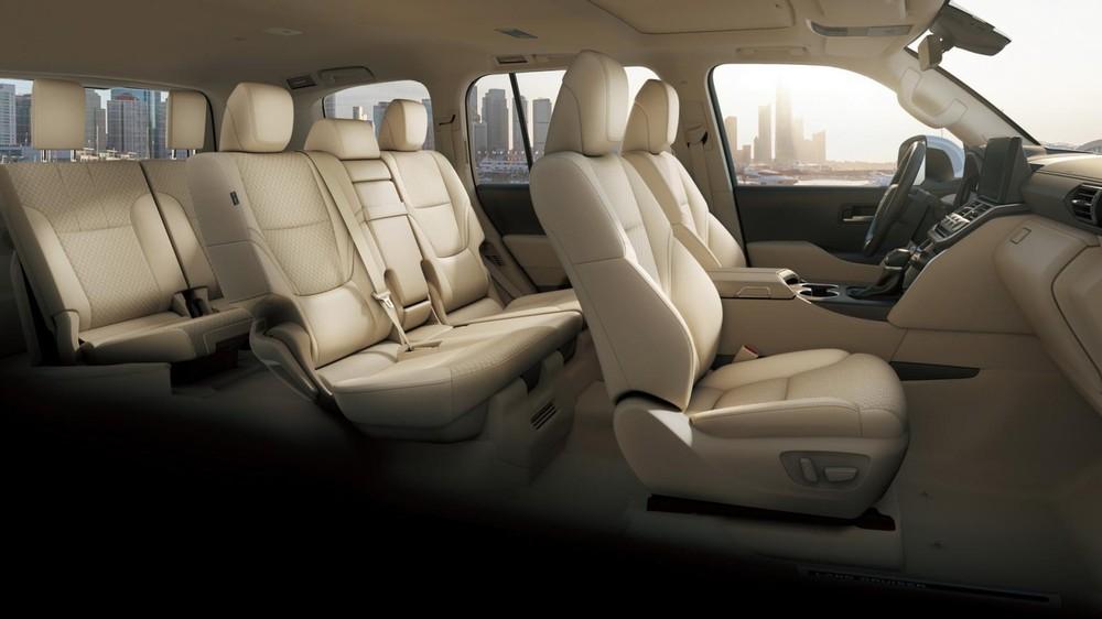 Nội thất 7 chỗ bên trong Toyota Land Cruiser 2022