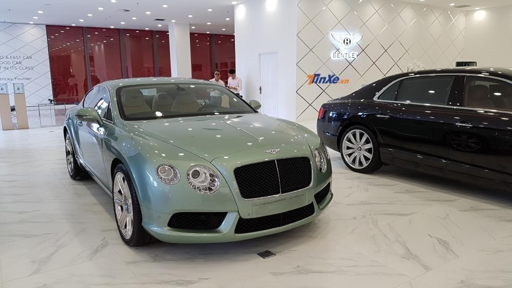 Bentley Continental GT xanh lá