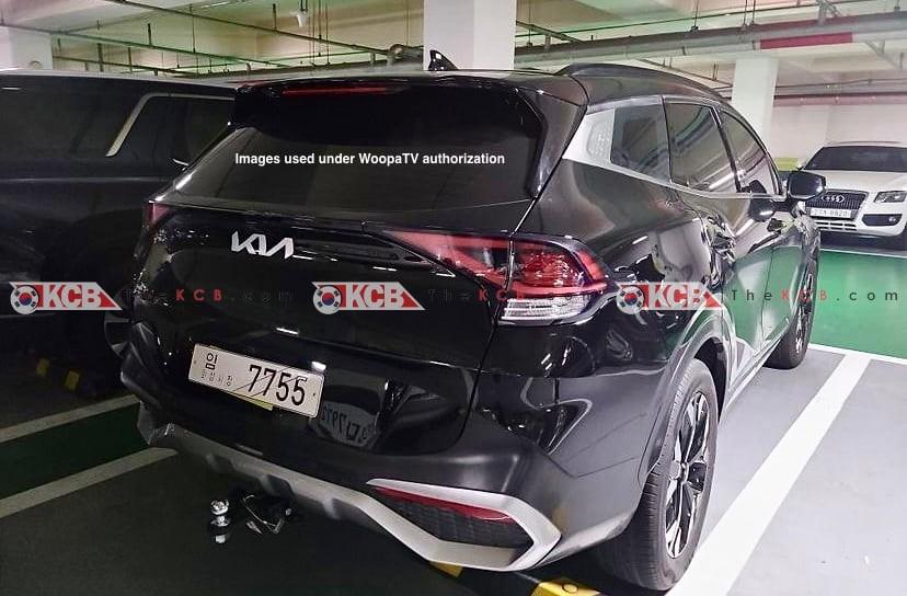Thiết kế đằng sau của Kia Sportage 2022 bản thường