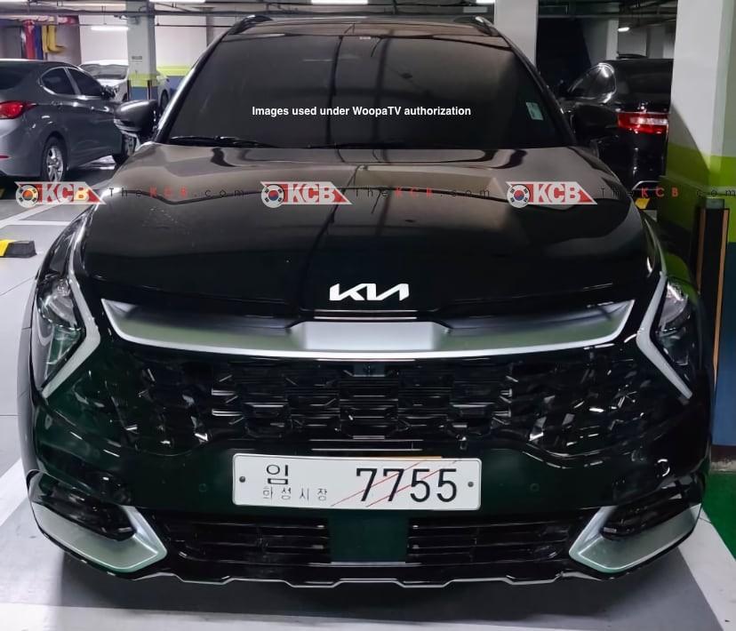 Cận cảnh đầu xe của Kia Sportage 2022 bản thường
