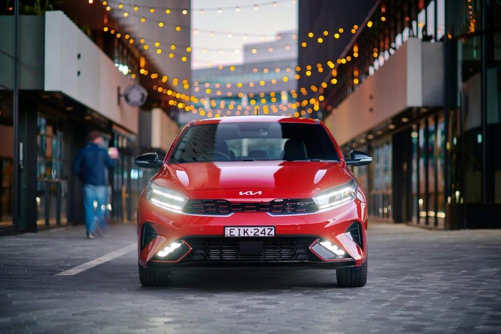 Cận cảnh thiết kế đầu xe của Kia Cerato 2022