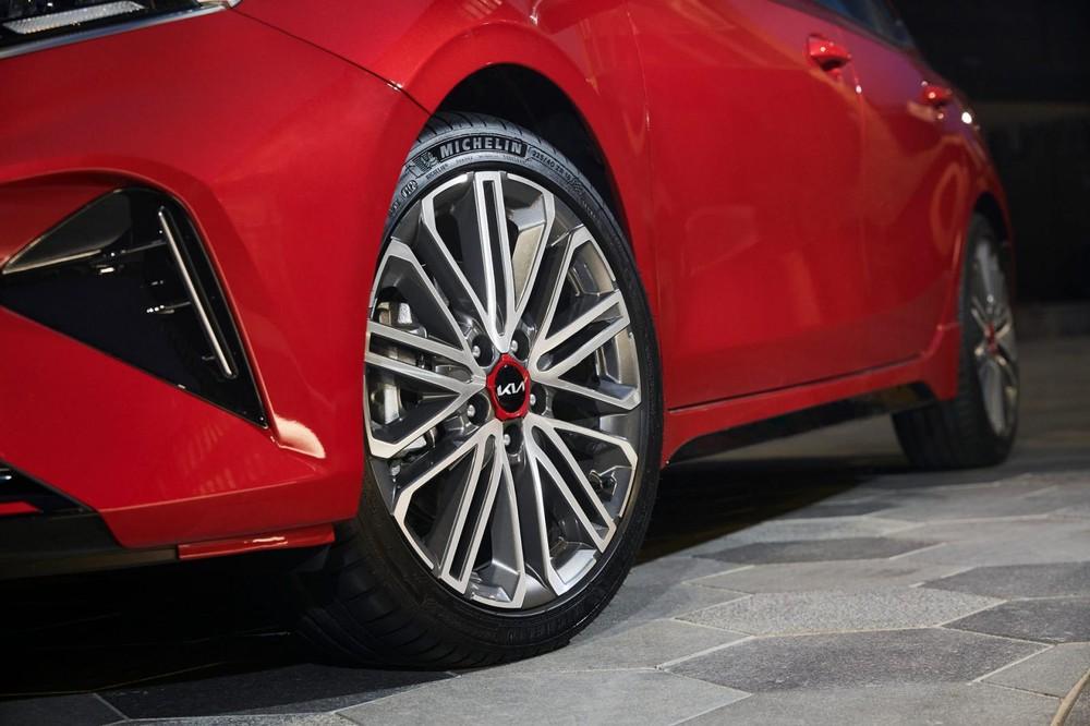 Vành hợp kim 18 inch của Kia Cerato GT 2022