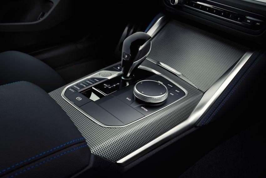 BMW 4-Series Gran Coupe 2022 dùng hộp số tự động 8 cấp